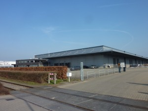 164 1999 01 warehouse-1